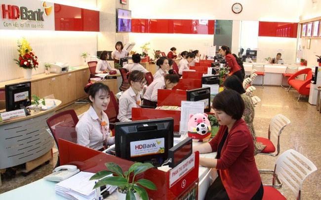 Lợi nhuận của HDBank quý 1 tăng 68% đạt trên 2.100 tỷ đồng, thu dịch vụ tăng cao