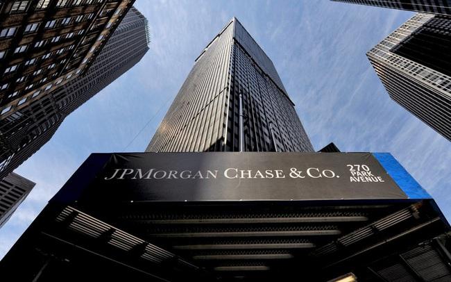 Nhận tài trợ hàng tỷ USD tưởng là kèo ngon, cuối cùng JPMorgan lại rơi vào trung tâm của làn sóng phẫn nộ phản đối Super League