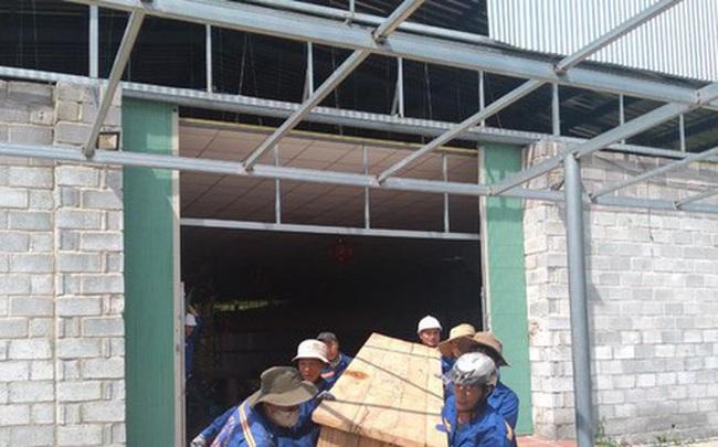 Nha Trang cưỡng chế loạt cửa hàng xây trái phép chuyên đón khách Trung Quốc