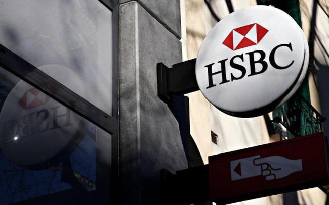 Giới ngân hàng dậy sóng vì một nhân viên HSBC đau tim sắp chết nhưng việc đầu tiên nghĩ tới là cuộc họp với sếp vào sáng mai chứ không phải vợ