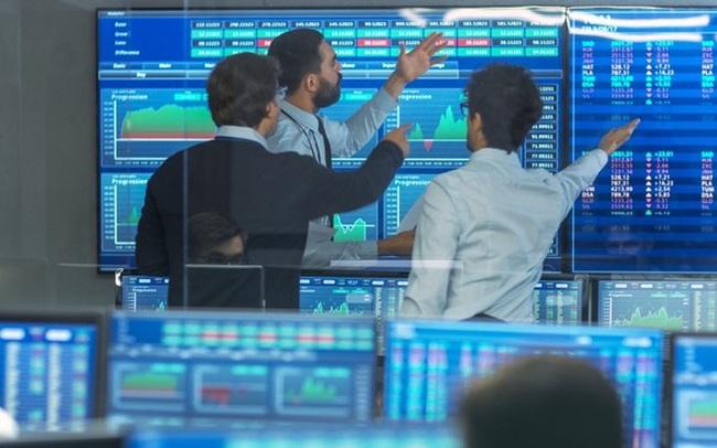 Khối ngoại tiếp tục rút ròng hơn 1.100 tỷ đồng trong tuần từ 19-23/4, bán mạnh VHM, HPG và VPB
