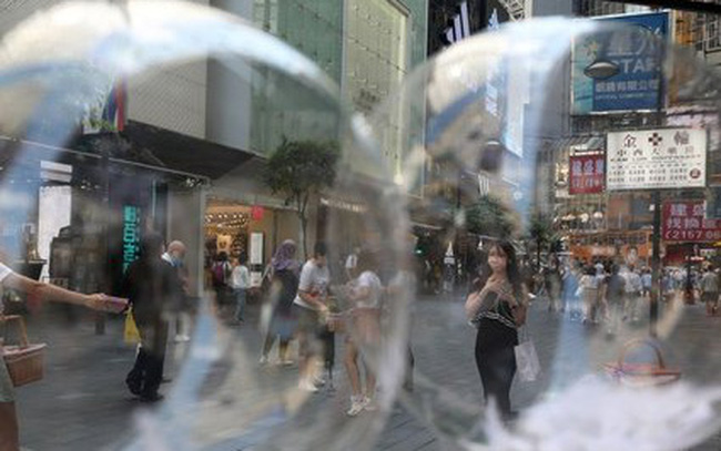 Khi thế giới đang chìm trong đại dịch Covid-19, Singapore và Hồng Kông sẽ bắt đầu triển khai bong bóng du lịch vào tháng tới