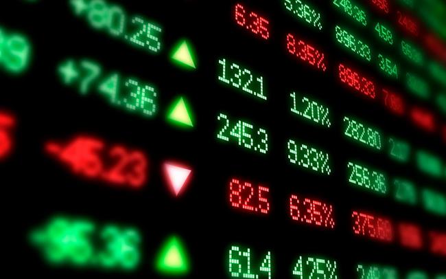 """Phiên 27/4: Thị trường rung lắc mạnh, khối ngoại tiếp tục """"gom"""" hơn 400 tỷ đồng cổ phiếu"""