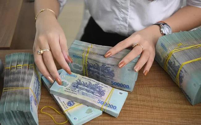 Lãi suất liên ngân hàng tiếp tục tăng vọt, kỳ hạn qua đêm vượt mốc 1%/năm
