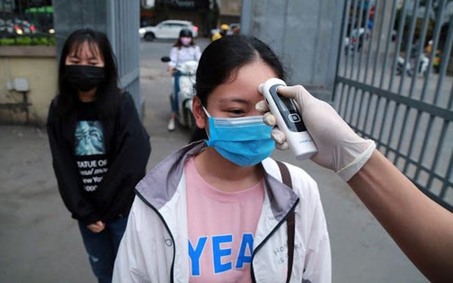 Trước tình hình dịch Covid-19, 2 trường đại học đầu tiên ở Hà Nội thông báo cho sinh viên học trực tuyến