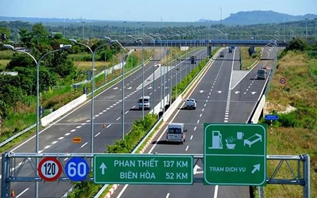 Đất nước đã trên đường cao tốc