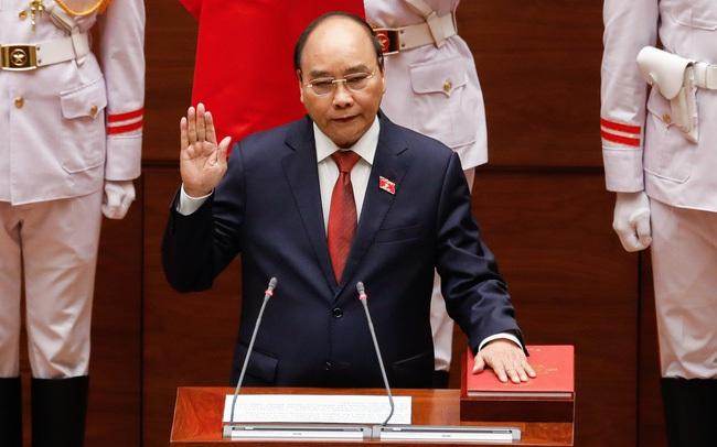 Chủ tịch nước Nguyễn Xuân Phúc: Khó khăn không sinh ra để làm chùn bước chúng ta, nó là bài kiểm tra tinh thần nhẫn nại và ý chí vươn lên