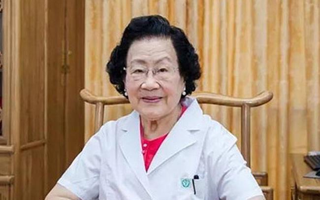 Bí quyết trường thọ của bác sỹ 100 tuổi: 5 điều nên khắc cốt ghi tâm
