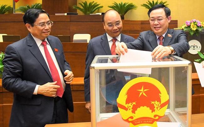 Phó Thủ tướng Trịnh Đình Dũng, Bộ trưởng GD&DT Phùng Xuân Nhạ và nhiều Bộ trưởng, trưởng ngành chính thức được Quốc hội miễn nhiệm