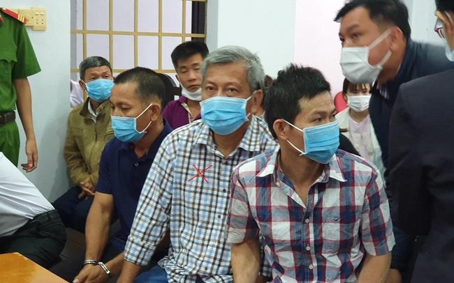 Xử 'đại gia xăng giả' Trịnh Sướng: Xe biển số Cần Thơ, Sóc Trăng, TPHCM đậu kín đường