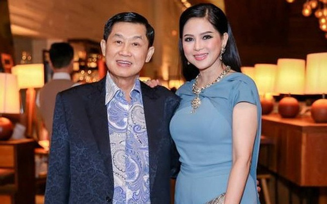 Tỷ phú Johnathan Hạnh Nguyễn từng yêu điên cuồng: Đi mọi chuyến bay mà vợ làm tiếp viên, vé có thể lấp đầy cả một căn phòng lớn