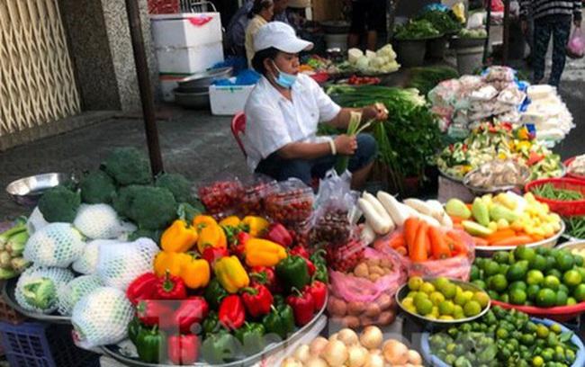 Rau củ, trái cây TPHCM 'đại hạ giá' dịp nghỉ lễ