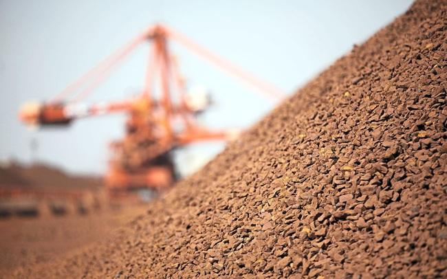 """Tăng 10% trong vài phút sáng đầu tuần, giá quặng sắt tiếp tục """"nóng bỏng"""""""
