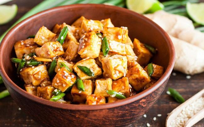 Điều gì xảy ra với cơ thể khi ăn đậu phụ, nhất là trong tiết trời nắng nóng?