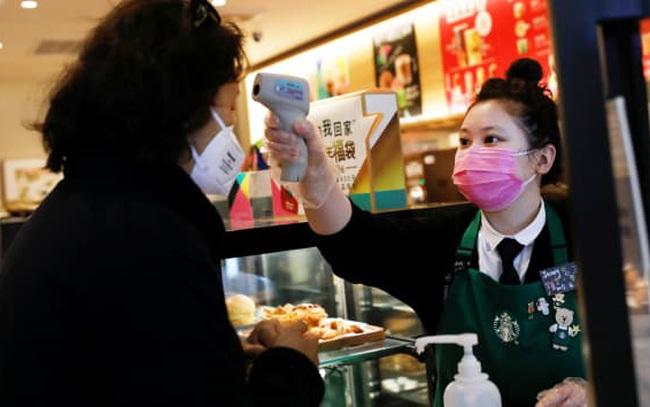 Doanh số bán lẻ Trung Quốc tăng 17,7% trong tháng 4 so với cùng kỳ năm trước, chỉ bằng một nửa con số của tháng 3
