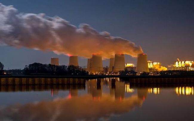 Financial Times: IEA kêu gọi các nước lập tức ngừng sản xuất nhiên liệu hóa thạch