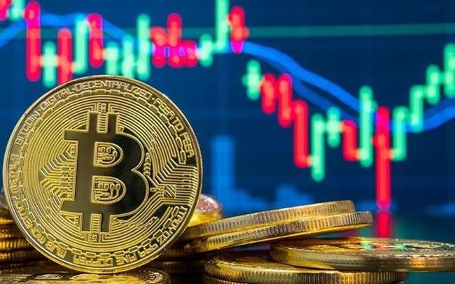 """Bitcoin """"đánh lừa"""" nhà đầu tư với cú giảm 31% vào buổi sáng, tăng 33% vào buổi chiều"""