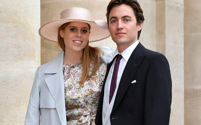 """Giữa lúc bị Harry """"tấn công dồn dập"""", Hoàng gia Anh đón tin vui lớn khiến Nữ hoàng phấn chấn hết mức sau loạt biến cố của gia tộc"""