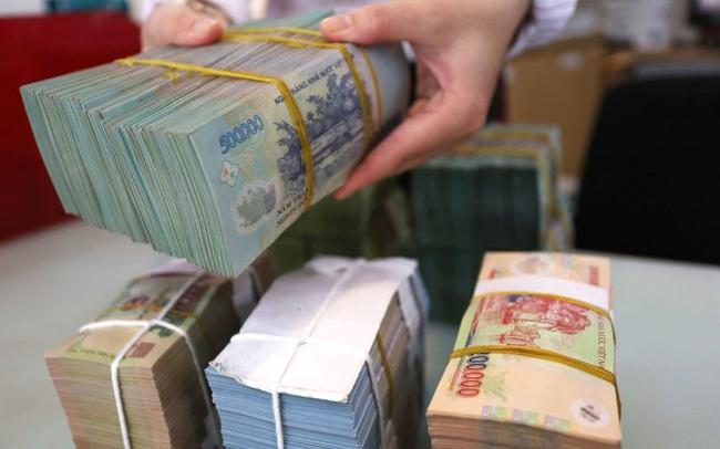Một lượng tiền sẽ được bơm ra thị trường vào cuối tháng 6 giúp lãi suất liên ngân hàng hạ nhiệt trở lại