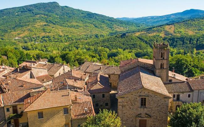 Một trong những ngôi làng đẹp nhất Italy tặng hàng chục nghìn euro cho người nước ngoài đến sinh sống và làm việc