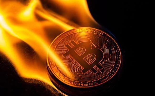 """Đòn bẩy quá đà - """"công thức thảm họa"""" khiến Bitcoin, Ether ngày càng nguy hiểm"""