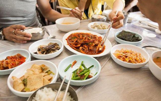 Người Việt cần bỏ ngay những sai lầm tai hại này trong ăn uống vì có thể gây sỏi thận cho bản thân và cả gia đình