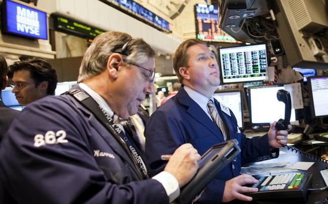 Dow Jones tăng gần 200 điểm, cổ phiếu công nghệ khởi sắc khi Bitcoin hồi phục