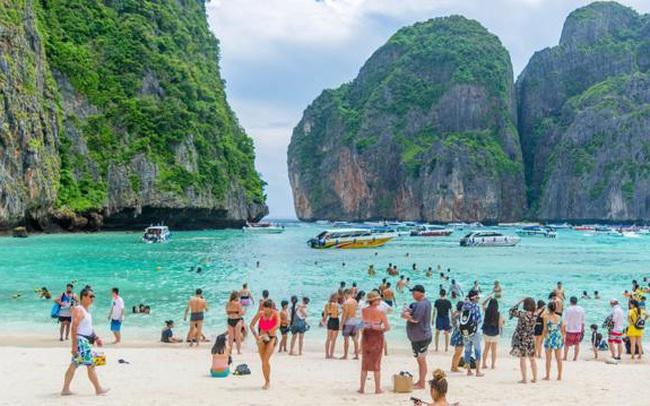 """Kinh tế Thái Lan """"gãy trụ"""" du lịch vì Covid hoành hành"""