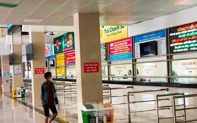 Đìu hiu bến bãi Hà Nội, xe khách nghỉ chạy đến 80%