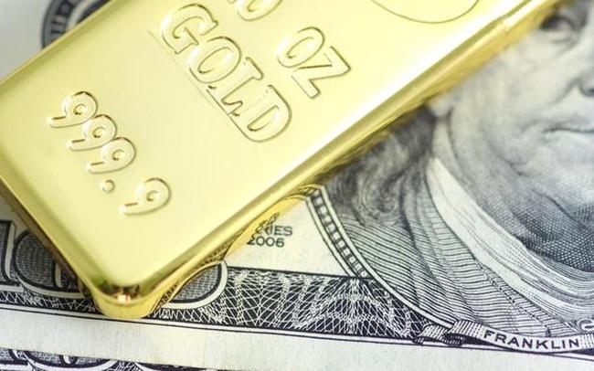 Giá vàng thế giới lên cao nhất 4,5 tháng, USD trượt dốc