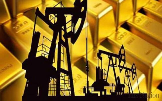 Thị trường ngày 26/5: Giá vàng đạt đỉnh 4,5 tháng, sắt thép, đồng và ngô đồng loạt giảm sâu