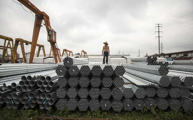 """Giá hàng hoá tăng vọt """"dội gáo nước lạnh"""" vào đà hồi phục của kinh tế Trung Quốc"""