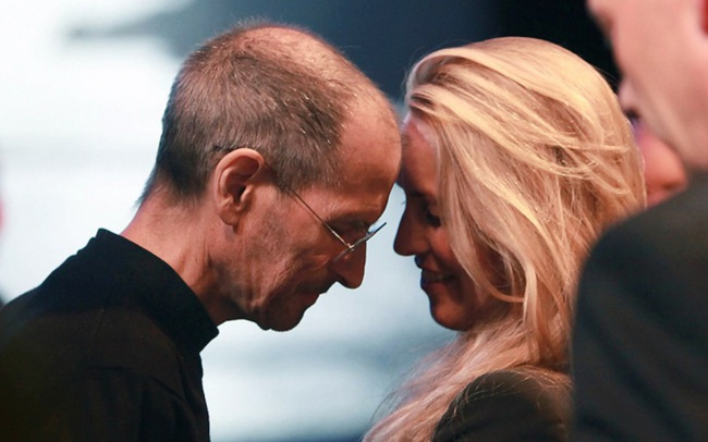 Người vợ ít được chú ý của Steve Jobs và bản lĩnh đáng gờm trong giới đầu tư, cách nuôi dạy con có nét tương đồng với Bill Gates