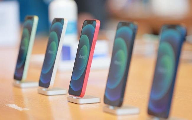Lần đầu tiên Apple chịu thu cũ đổi mới một mẫu smartphone của hãng khác, cái tên xuất hiện khiến mọi người không tin vào mắt mình
