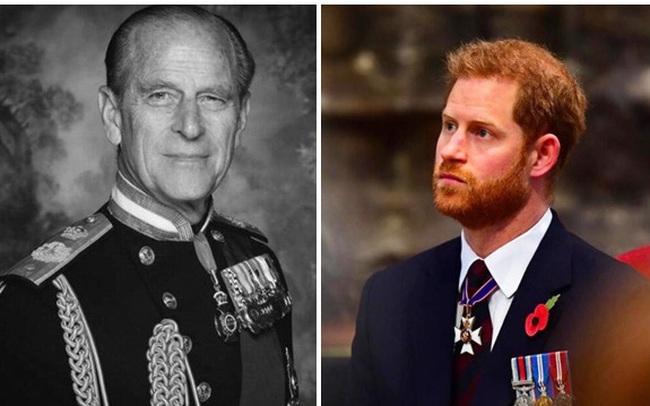 Ông nội vừa mới qua đời, Harry liên tục lên sóng công kích gia đình rồi xấu hổ khi biết món quà cuối Hoàng tế Philip dành cho mình