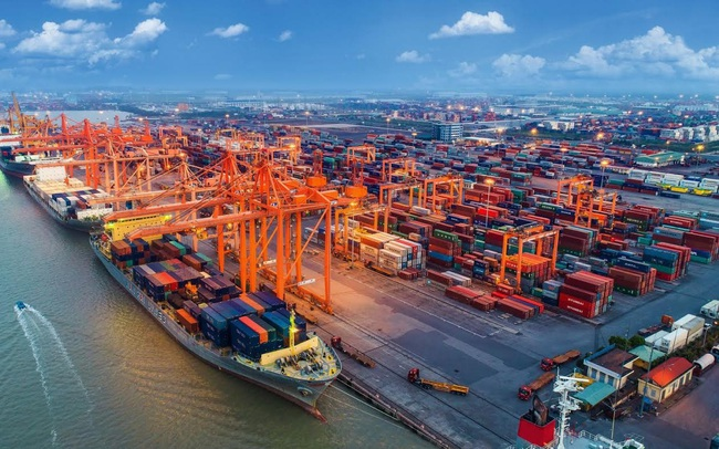 Cán cân thương mại đổi chiều, 5 tháng đầu năm nhập siêu 369 triệu USD