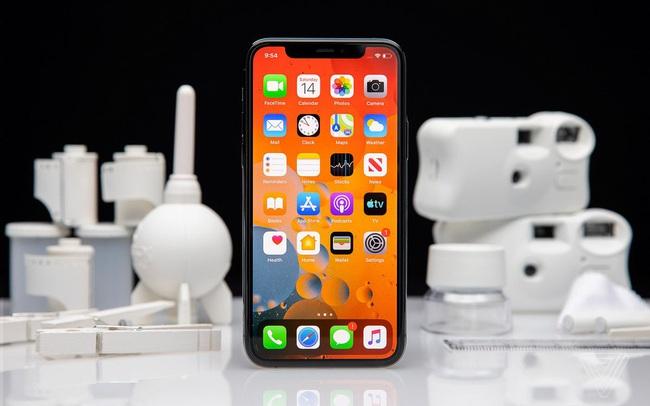 """Bản cập nhật iOS """"ngớ ngẩn"""" biến hàng triệu iPhone 12 thành iPhone XR"""