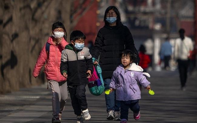 """Chính sách 3 con không cứu được Trung Quốc thoát cảnh """"chưa giàu đã già""""?"""