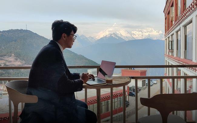 """Sự lên ngôi của thế hệ digital nomad - """"dân du mục kỹ thuật số"""" - tại Trung Quốc: Chu du suốt năm vẫn kiếm được tiền, họ là ai?"""