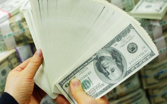 """""""Ngập"""" trong hàng nghìn tỷ USD, ngân hàng Mỹ khuyên doanh nghiệp ngừng gửi tiền"""