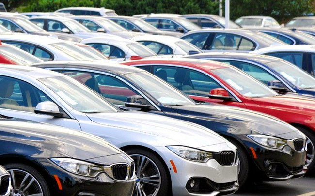 Sức mua giảm, thị trường ô tô Việt Nam lao dốc 15% trong tháng 5