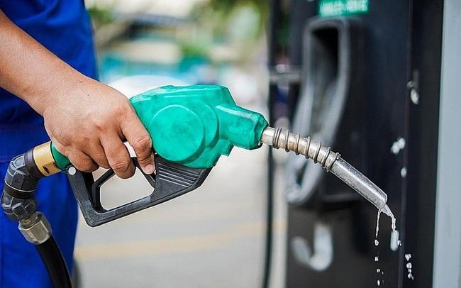 Giá xăng tăng hơn 620 đồng/lít, lên cao nhất 16 tháng