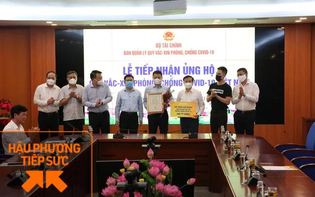 Sun Group ủng hộ 320 tỷ đồng cho Quỹ vắc-xin phòng chống dịch Covid-19 của Chính phủ