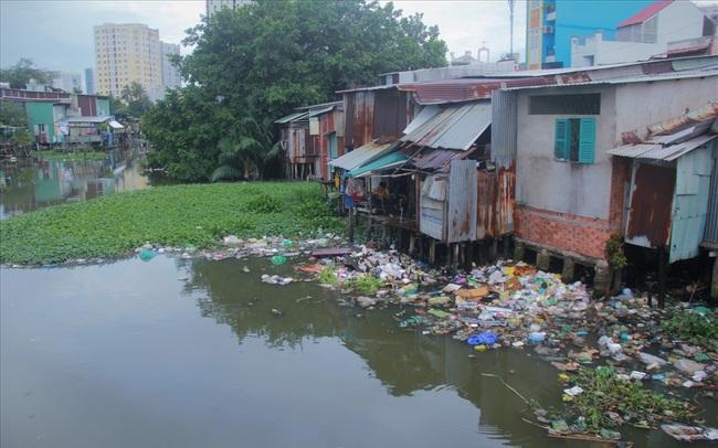 Xử lý nghiêm công trình không phép, trái phép ven sông, kênh rạch tại Tp.HCM
