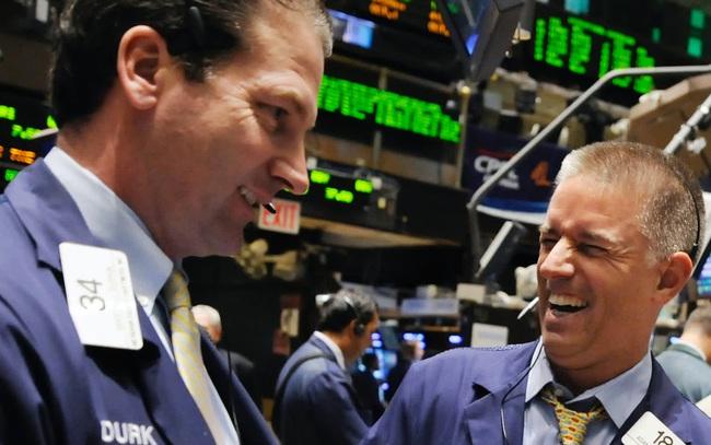 Nhà đầu tư quay trở lại với cổ phiếu công nghệ, S&P 500 và Nasdaq cùng lập đỉnh mới
