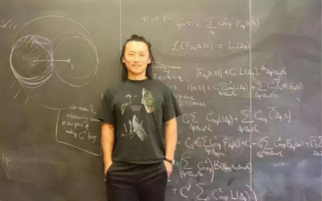 """""""Thiên tài trong các thiên tài"""" khiến Harvard phá vỡ thông lệ 300 năm: Học tiểu học trong 3 ngày, 12 tuổi vào đại học nhưng vẫn bị ghét bỏ chỉ trích"""