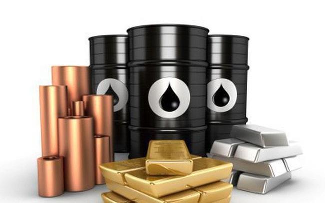 Thị trường ngày 16/6: Giá dầu vượt ngưỡng 70 USD/thùng, đồng thấp nhất 7 tuần