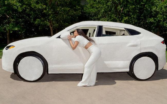 """Nữ tỷ phú lắm chiêu """"bọc lông"""" cho siêu xe Lamborghini: Người bình thường tròn mắt thán phục, các chuyên gia và dân mê xe lại lắc đầu ngán ngẩm!"""
