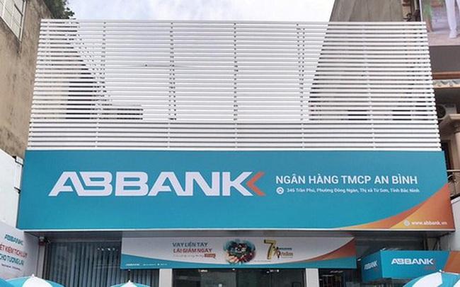 Em ruột ông Vũ Văn Tiền đăng ký bán toàn bộ cổ phiếu ABB