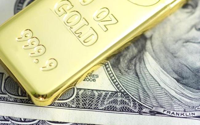 Giá vàng lao dốc, chuyên gia vẫn khuyên tranh thủ cơ hội này để mua giá hời